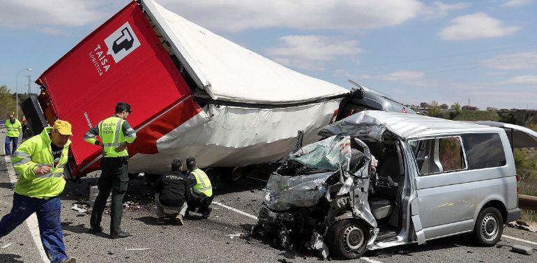 Fallecen tres miembros de una familia de Toledo en un accidente en Soria