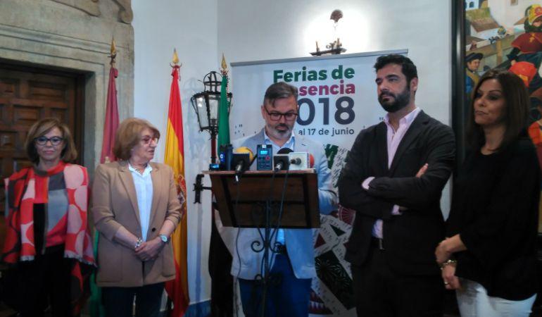 El alcalde de Plasencia junto a los concejales encargados de las ferias 2018