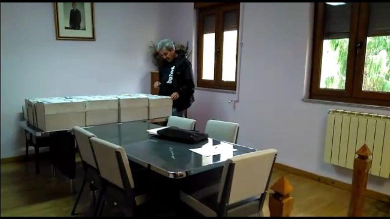 Las cajas puestas a disposición del concejal de Coalición por el Bierzo