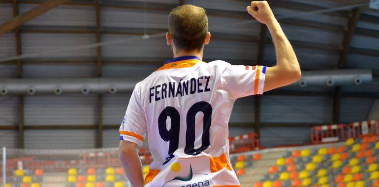 Fran Fernández también continúa en el Plásticos Romero