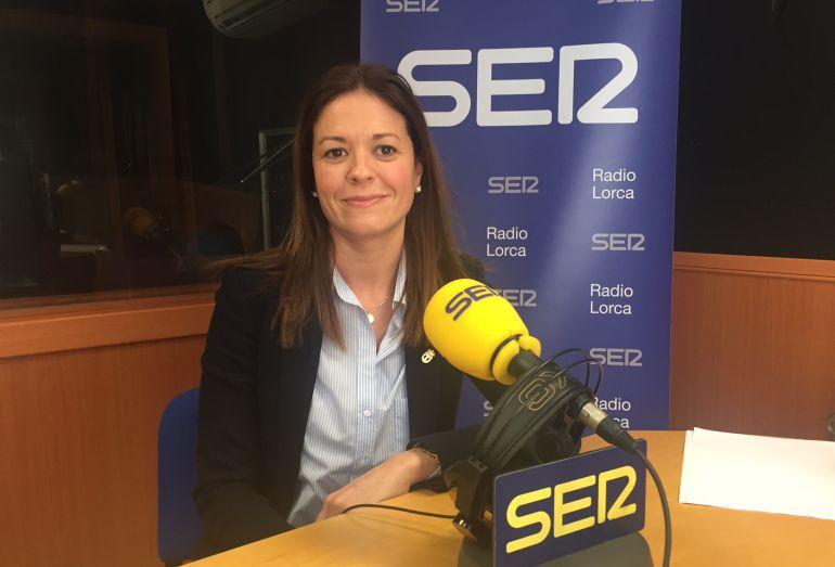 La alcaldesa de Águilas, Mari Carmen Moreno, en los estudios de Radio Lorca.