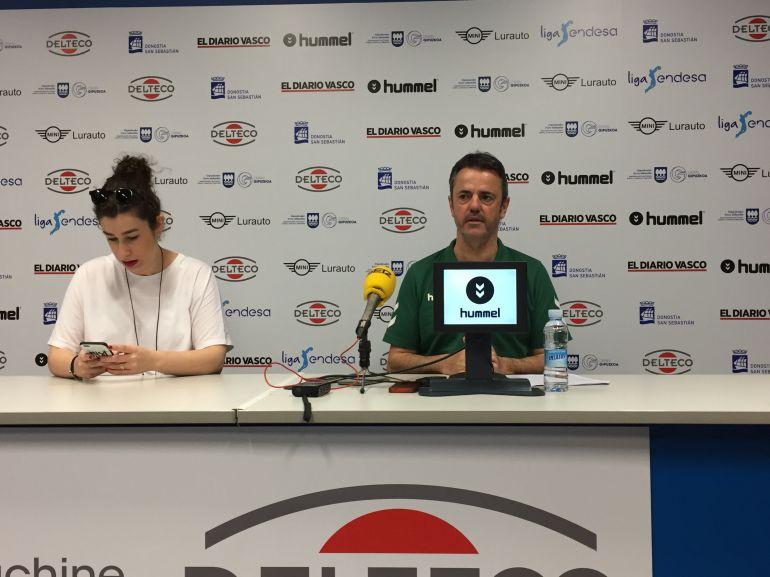 Porfi Fisac en la rueda de prensa previa al partido ante el Divina Seguros Juventut.