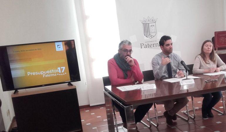 Juanma Ramón (Compromís), a la izquierda en la foto, junto al alcalde Juan Antonio Sagredo (PSPV) en una comparecencia conjunta