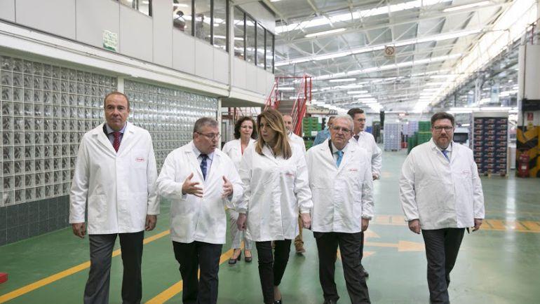 Visita de Susana Díaz a la cooperativa Vicasol.