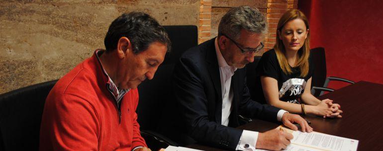 El Ayuntamiento de Valdepeñas renueva su convenio con Proyecto Hombre