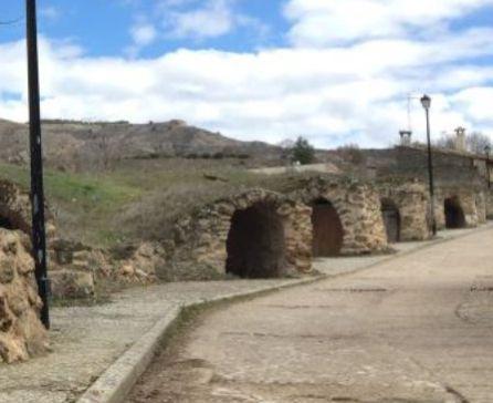 Cuevas del vino en Albalate de las Nogueras.