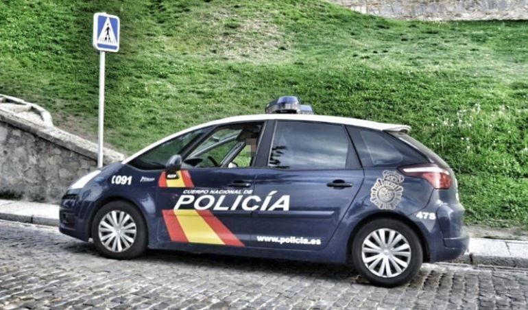 Coche patrulla del Cuerpo Nacional de Policía