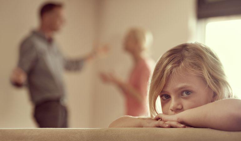 """Esperando """"turno"""" para poder ver a sus padres"""