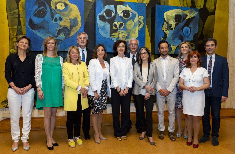 Las alcaldesas de Úbeda y Baeza, junto al resto de la delegación, en París