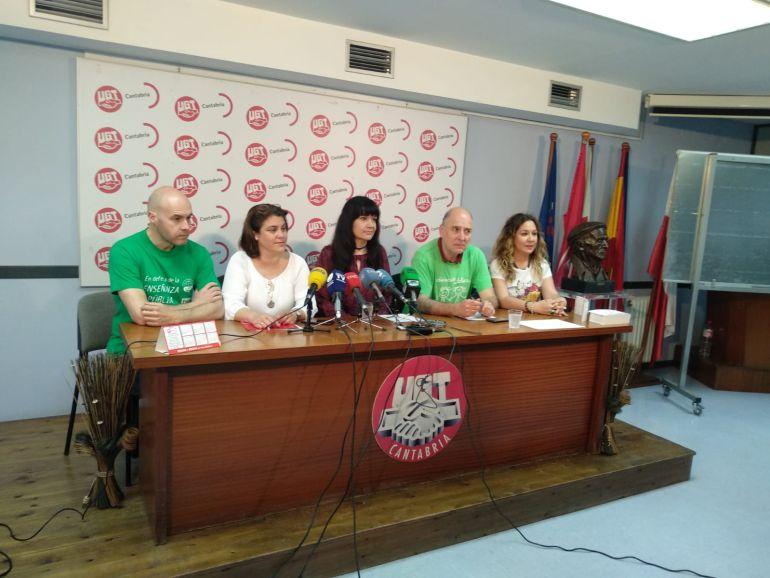 Junta de Personal Docente de Cantabria, en una rueda de prensa.