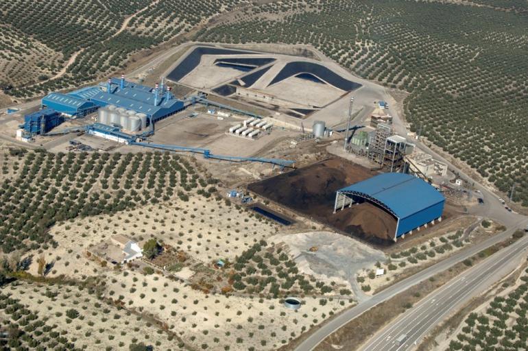 El complejo donde se encuentra la central de Ence, incluye también las instalaciones de la empresa San Miguel Arcangel.