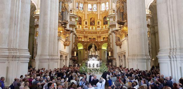 Granada: Vídeo y fotos de la radiante mañana de Corpus en Granada