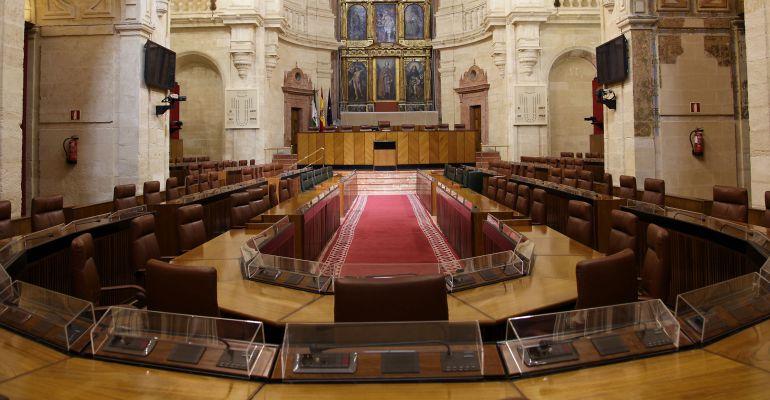 Salón de plenos del Parlamento de Andalucía en Sevilla.