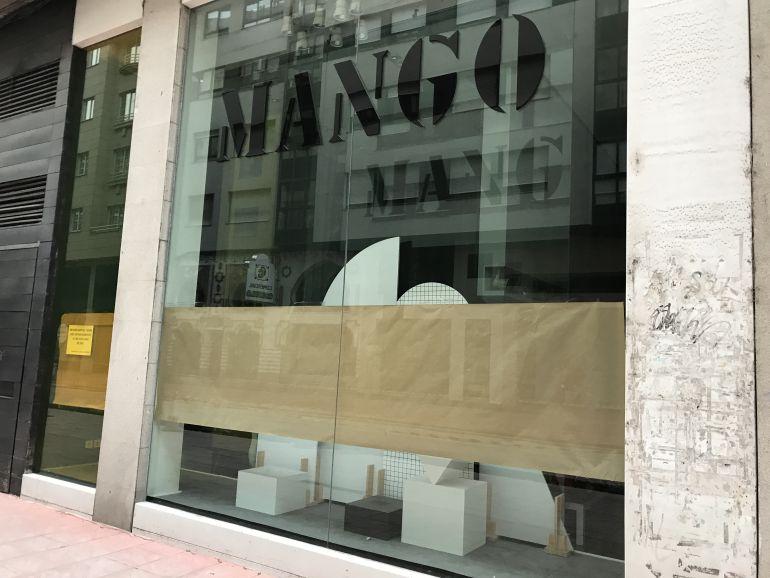 Mango cierra sus puertas en el centro de Ponferrada
