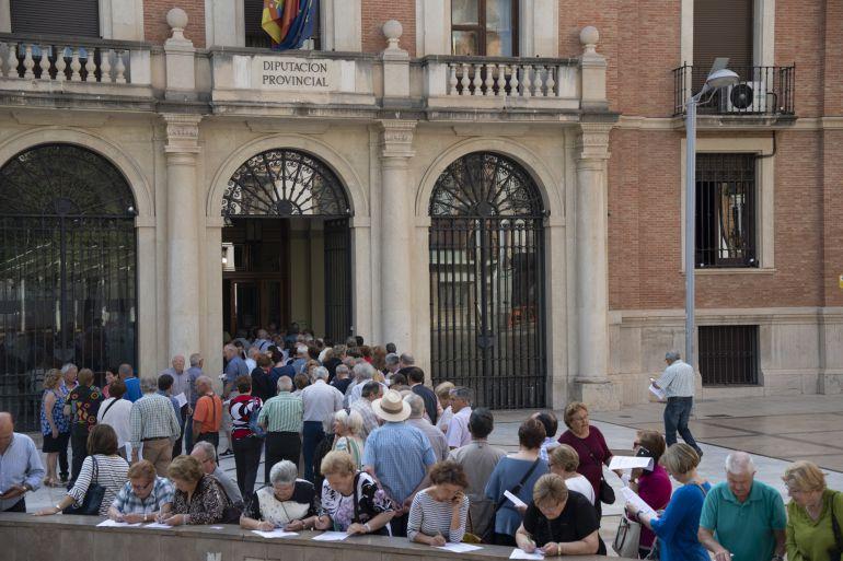 Castellón senior: Cientos de mayores castellonenses solicitan plaza en el Castellón Sénior