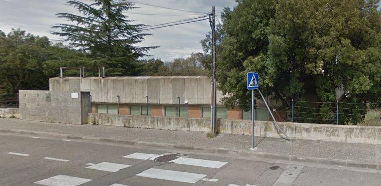 La residència anirà en aquest edifici en desús que és propietat de la Generalitat.