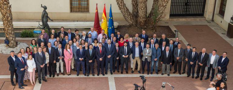 Se firma el Pacto Regional del Agua mirando a la Moncloa