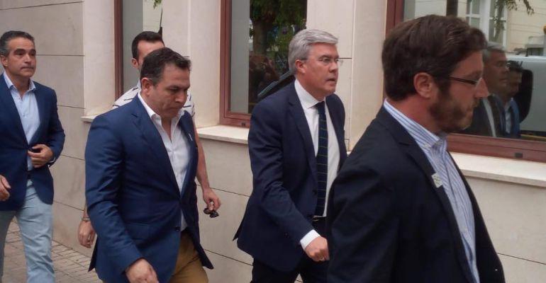 José Enrique Fernández de Moya llega a los juzgados de Jaén.