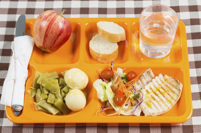 Aprobadas las ayudas para el servicio de comedor escolar | Radio ...