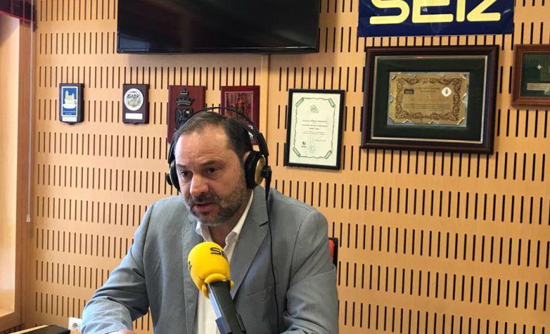 José Luis Ábalos en Radio Cádiz