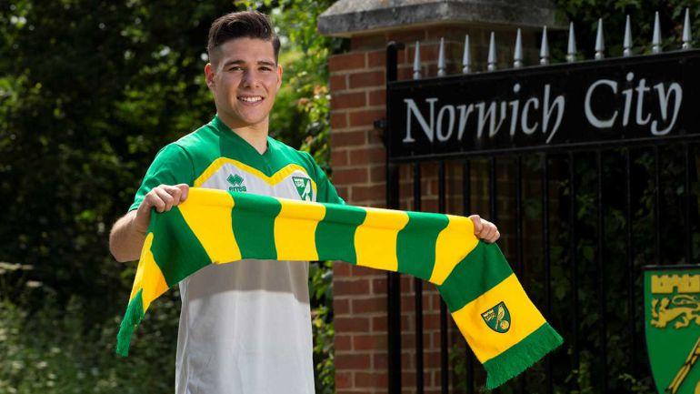 Buendía ya posa con los colores del Norwich City