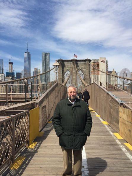Orozco en el Puente de Brooklyn