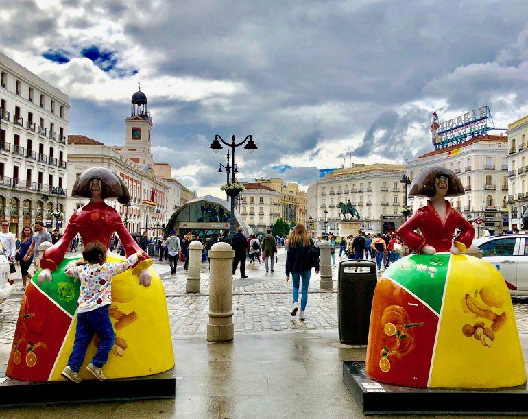 Meninas 'gastronómicas' en la Puerta del Sol