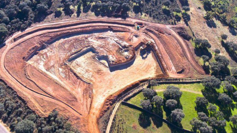 Imagen de los trabajos de la explotación minera en Retortillo.