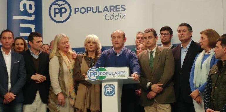Dirigentes del PP en la presentación del candidato a la alcaldía, Juan José Ortiz