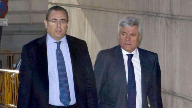 Blanco Balín (derecha) con su abogado
