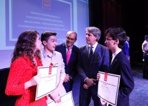 """Un estudiante premiado en Madrid saca los colores a todo el sistema educativo: """"Menos excelencia..."""""""