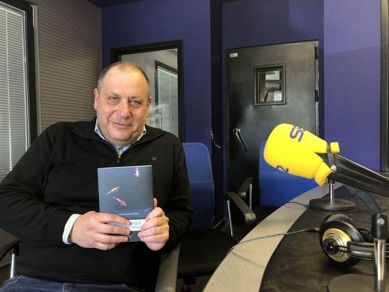 """Rafa Gallego y su libro """"En el estanque de peces de colores"""""""