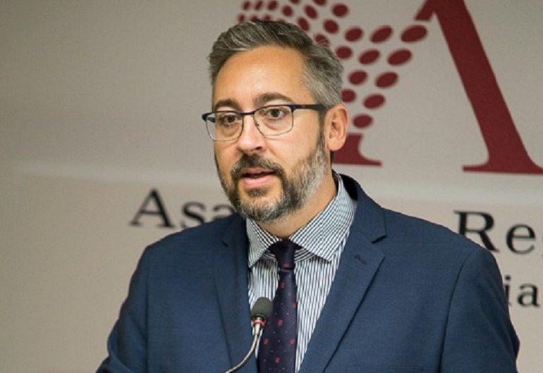 """Víctor Martínez: """"Ciudadanos esconde mucha suciedad debajo de sus alfombras"""""""