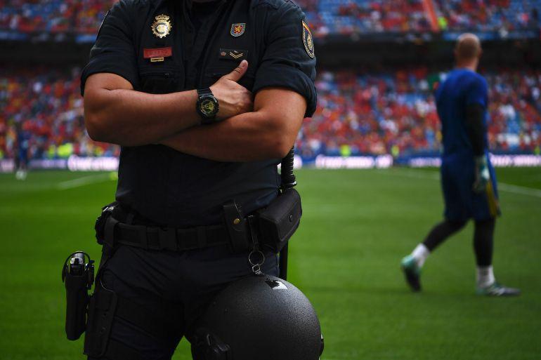 La Policía investiga a jugadores del Almería por presunto amaño de partidos.