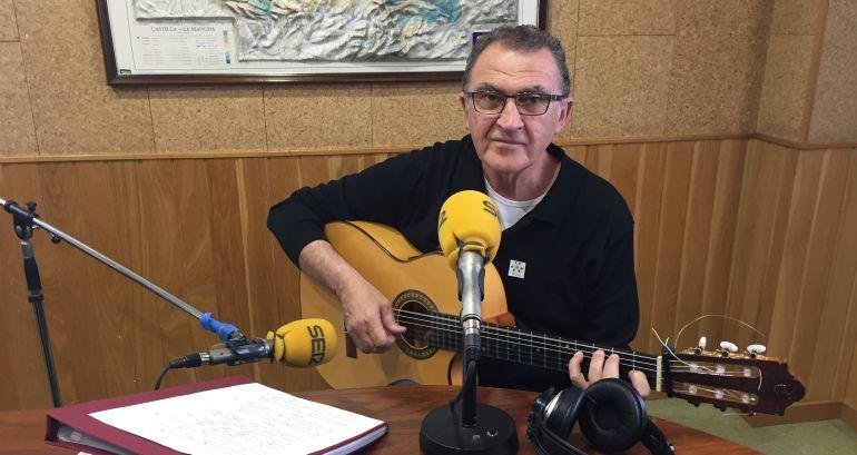 Ángel Corpa en el estudio de SER Cuenca.