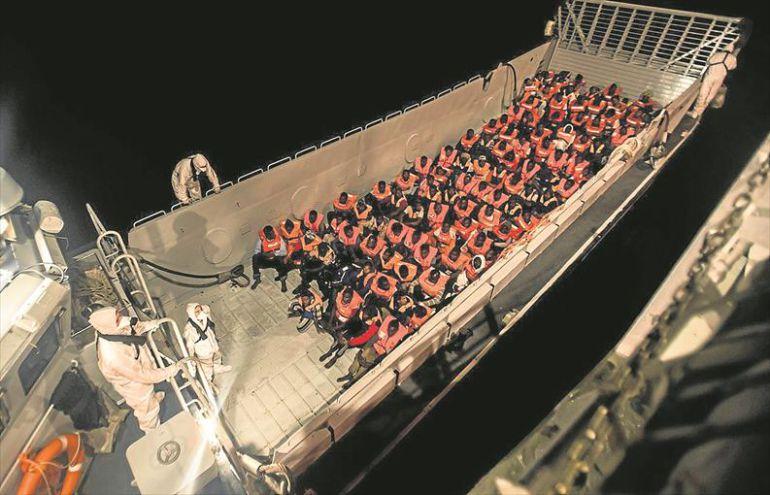 Canarias ofrece sus recursos para acoger a los migrantes del Aquarius