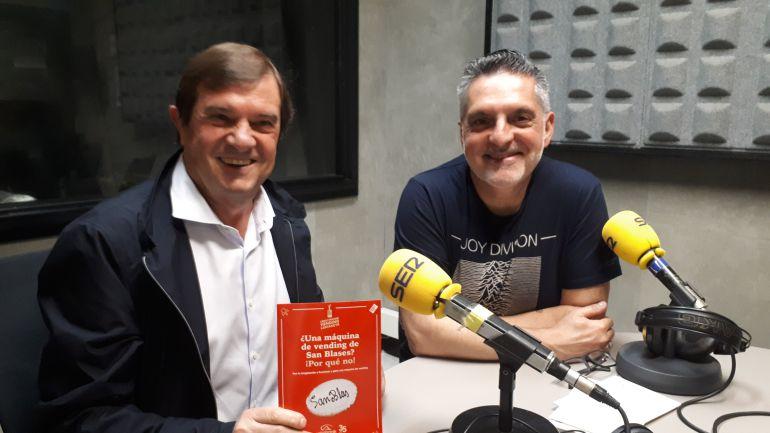 A la izquierda, el Gerente de Urkotronik Carlos Abad