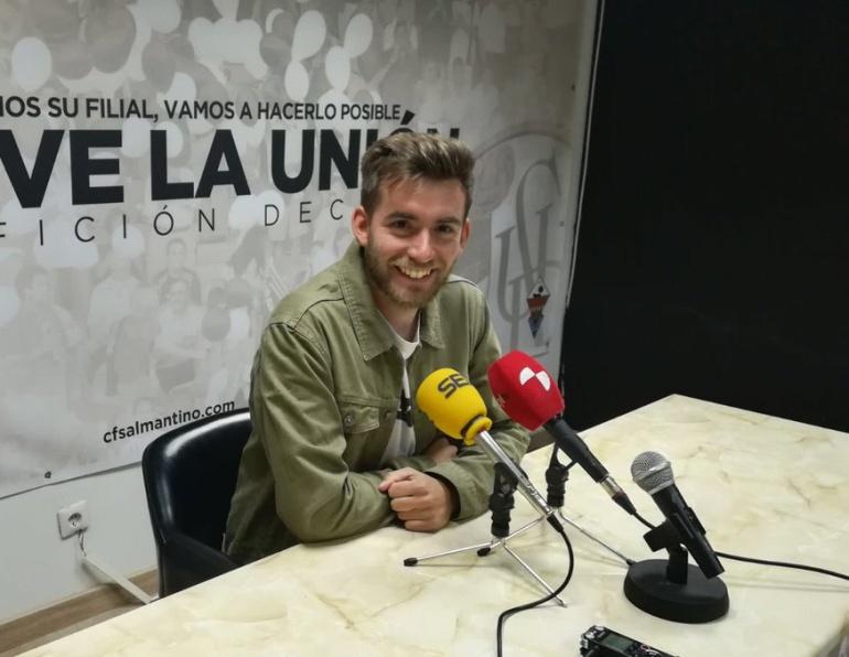 Pablo Cortés, técnico del Salmantino, durante una rueda de prensa