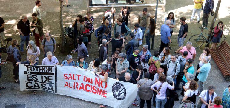 Concentració davant dels jutjats de Girona per donar suport als declarants.
