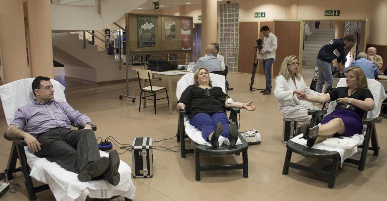 Donación de sangre en un centro de salud de la provincia.