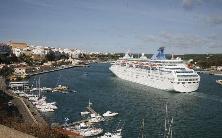 El puerto de Maó podría acoger al Aquarius.