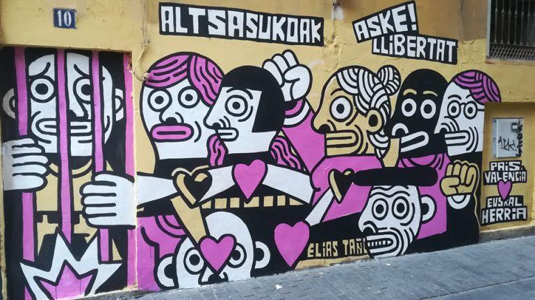 Parte del mural artístico obra de Elias Taño que fue eliminado por la empresa concesionaria de la limpieza en Valencia