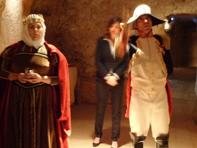 Sonia Galán, Mar Lombardo y Francisco Javier Rojo se reparten los personajes de este espectáculo con la colaboración del público