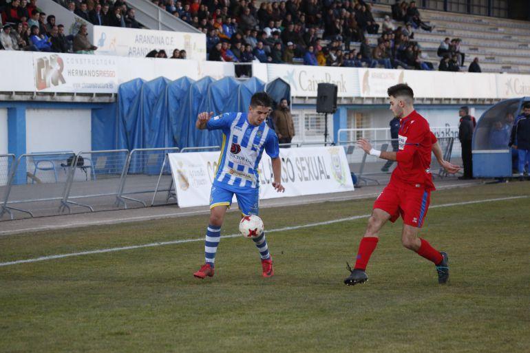 El delantero talaverano durante un encuentro en El Montecillo la pasada temporada.