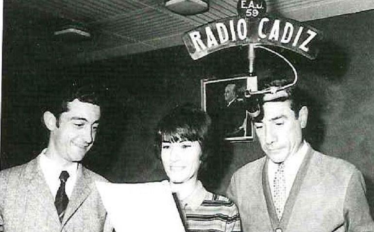 Arturo Paramio, Carmen Coya y Aurelio de la Viesca, antiguos miembros de la plantilla de Radio Cádiz reconocidos con el Premio Ondas