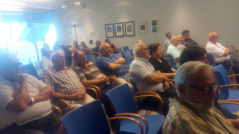 Público asistente a la asamblea del CD Dénia.