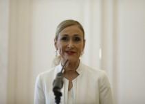 La juez imputa a otros cuatro docentes del máster de Cristina Cifuentes