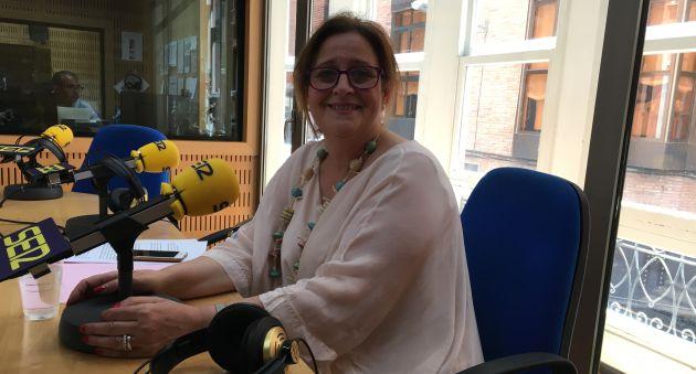Toñi Gómez, responsable de Comunicación del Centro Regional de Hemodonación en los estudios de Radio Murcia