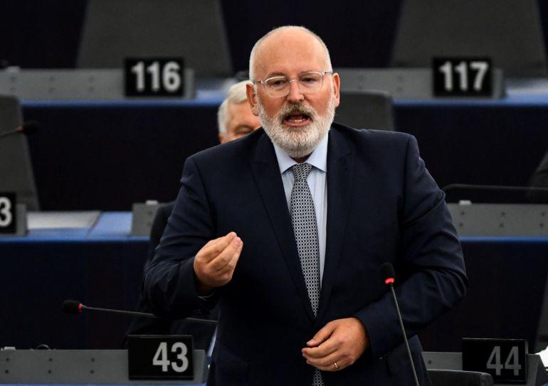 El vicepresidente de la Comisión Europea, Frans Timmermans, pronuncia su discurso en el Parlamento Europeo en Estrasburgo.