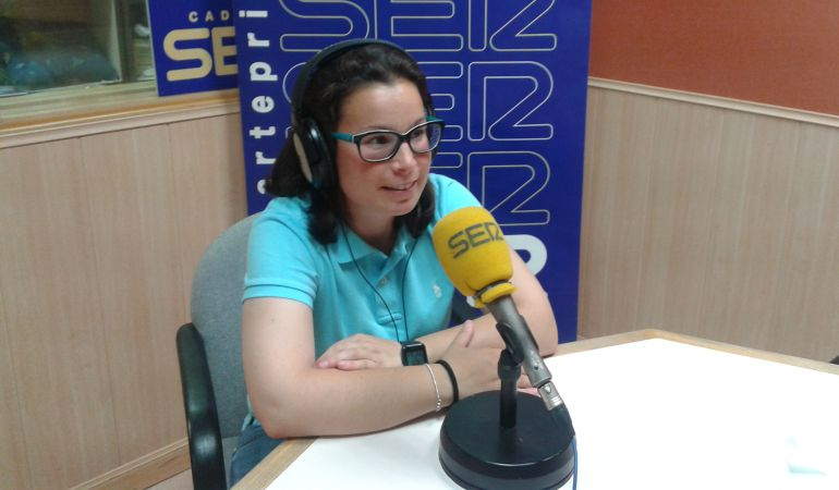 Jara Cuenca, utillera del C.D. Leganés, es también entrenadora y árbitra de fútbol